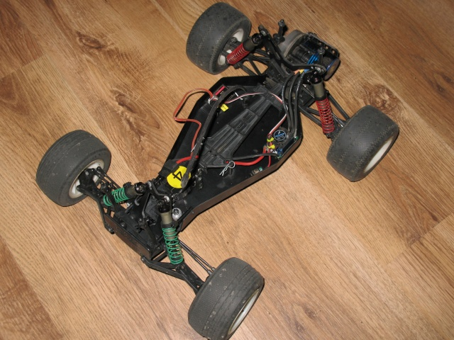 Team Associated RC10T2 Brushless Photo173
