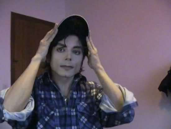 I sosia di Michael Jackson - Pagina 5 2r76ih10