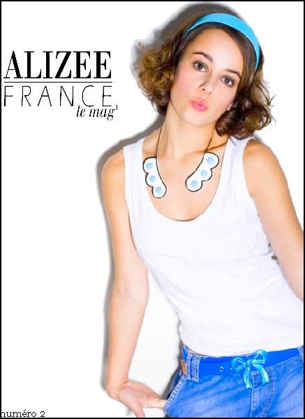 [Magazine] Alizée France n°1 - Page 3 11111110