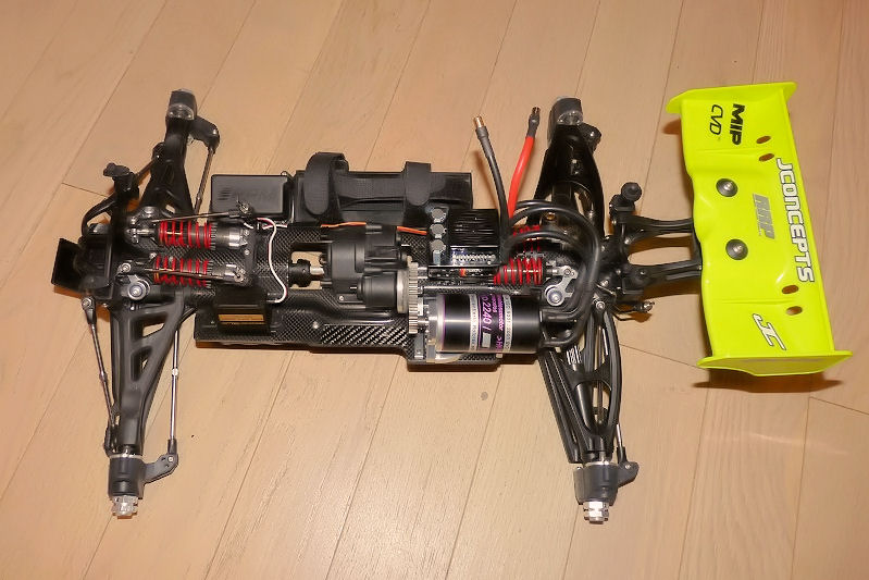 b-revo chassis alu et b-revo chassis carbone - Page 21 Image338