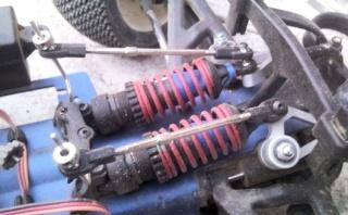 Réglages chassis pour piste TT lente avec nombreux virages - Page 6 Image911