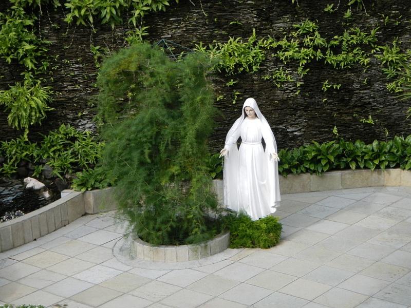 LIPA apparition de Notre Dame officiellement déclaré Non-authentique (mise à jour) 2015_012