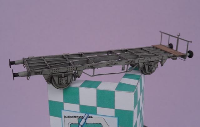 Industriediorama mit Hafen, 1:87 Dsc03315