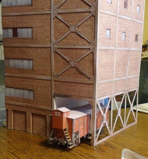 Industriediorama mit Hafen, 1:87 Dsc03512