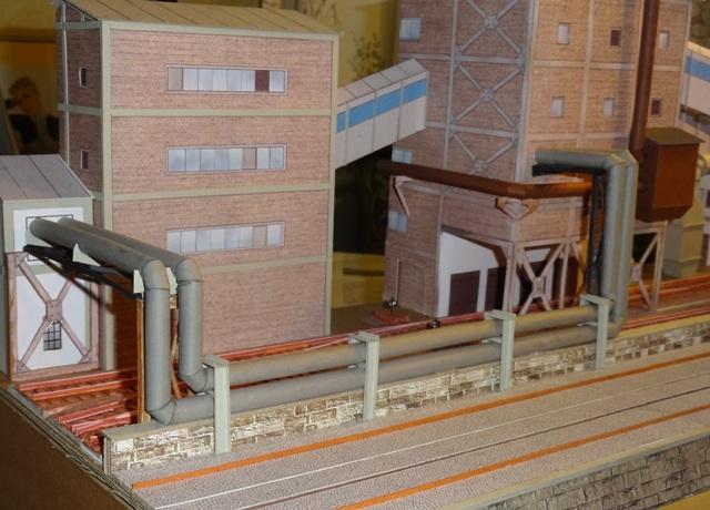 Industriediorama mit Hafen, 1:87 Dsc05213