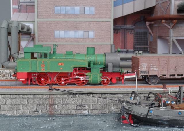 Industriediorama mit Hafen, 1:87 Dsc05324