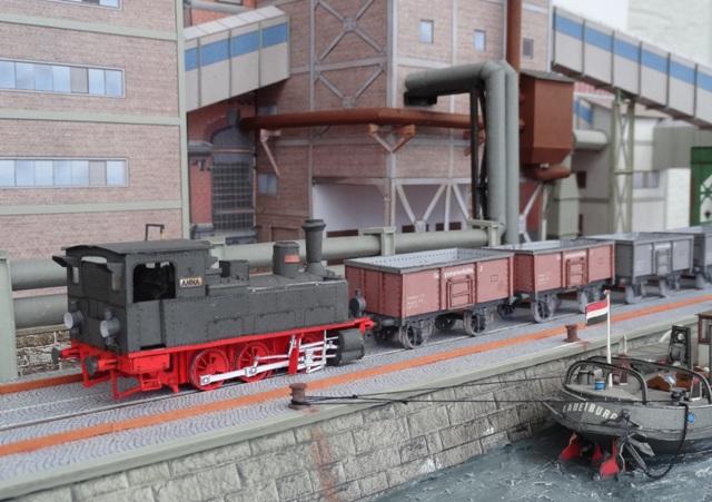 Industriediorama mit Hafen, 1:87 Dsc05328