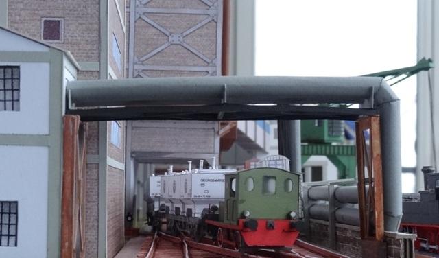 Industriediorama mit Hafen, 1:87 Dsc05334