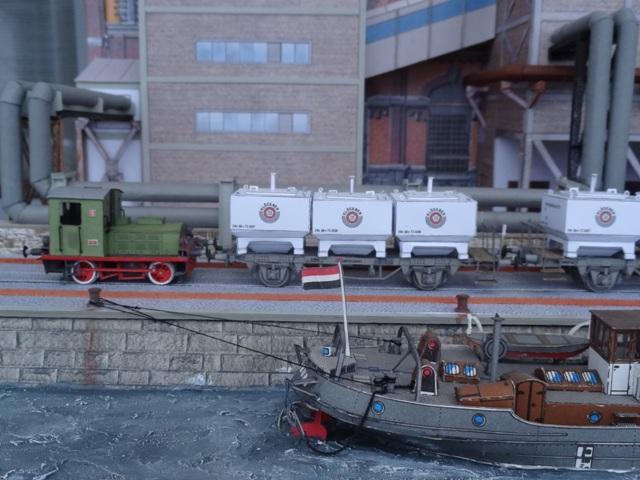 Industriediorama mit Hafen, 1:87 Dsc05338