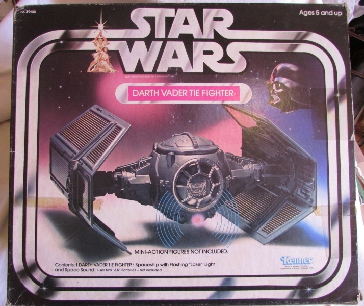 PROJECT OUTSIDE THE BOX - Star Wars Vehicles, Playsets, Mini Rigs & other boxed products  - Page 6 Darth_10