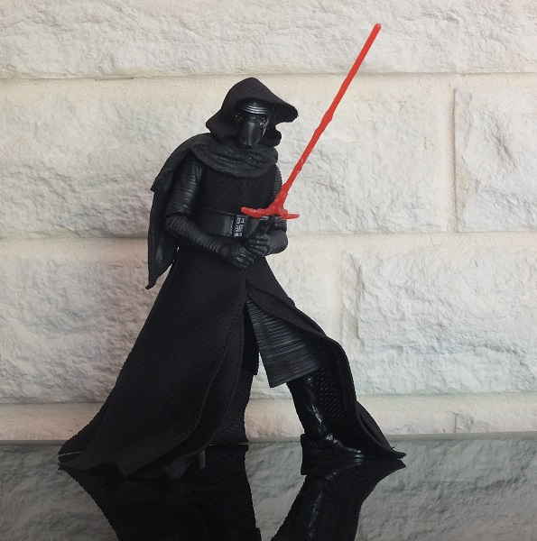Anyone going to collect the 6 inch Black Series figures? - Page 2 Kylo_r10