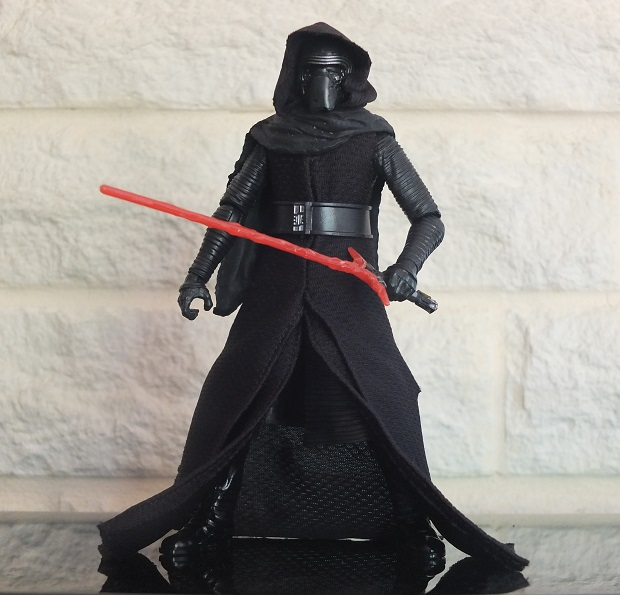 Anyone going to collect the 6 inch Black Series figures? - Page 2 Kylo_r11