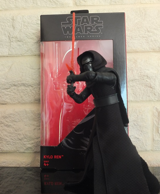 Anyone going to collect the 6 inch Black Series figures? - Page 2 Kylo_r12