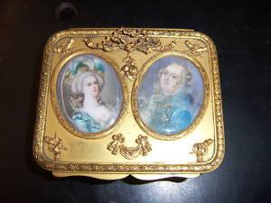 Portraits de Marie-Antoinette sur les boites et tabatières Boite_12