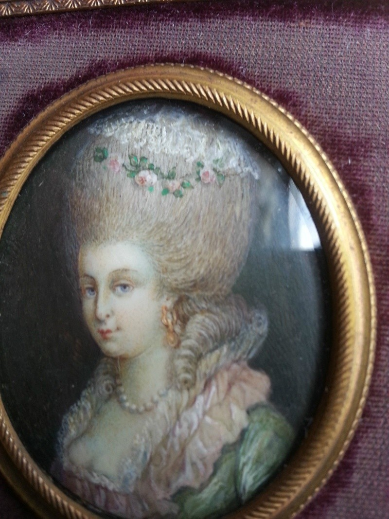 Objets en vente sur eBay - Page 8 Jolie_10