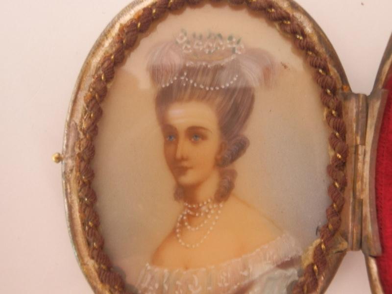 "Michèle Lorin : ""Marie-Antoinette, ma collection particulière "" - Page 2 Ma_cou11"