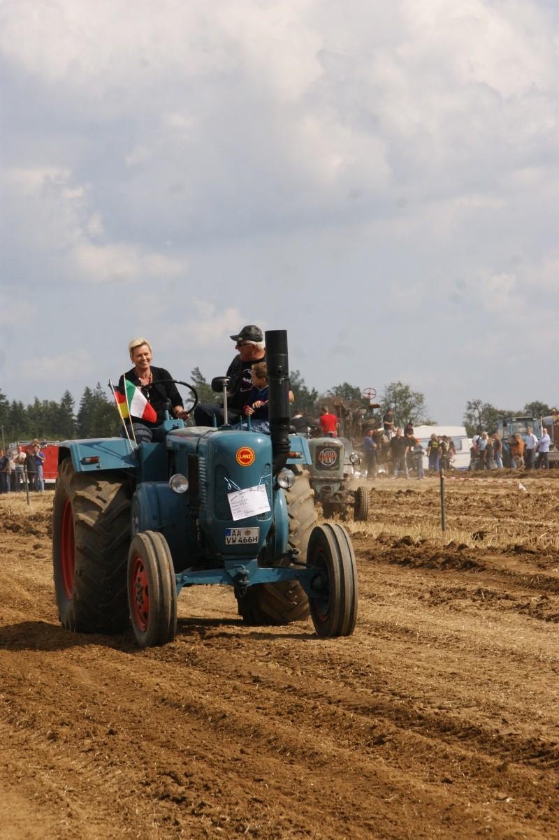 Lanz-Bulldog,  Unimog- und Opelfestival - Seite 2 Dsc04141