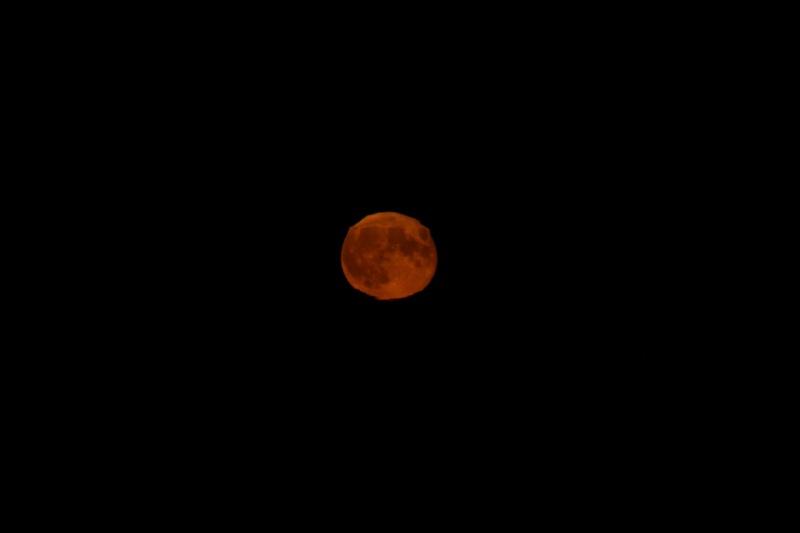 Lever de lune ce soir - un essai Lune410