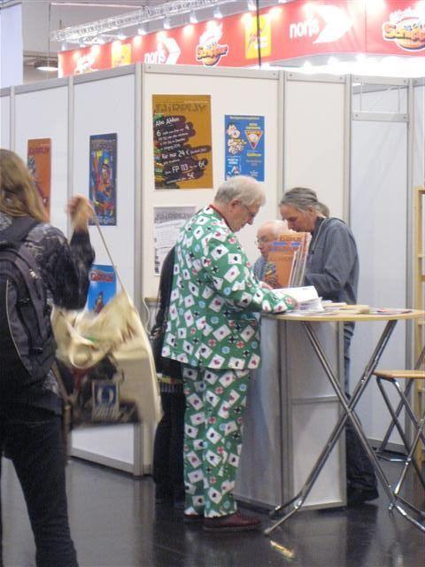 """compte-rendu sur un """"petit"""" salon du jeu en Allemagne... Img_3520"""