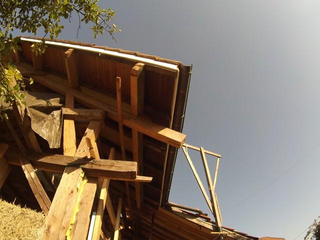 Construction seul et avec matériaux de récupération 2210
