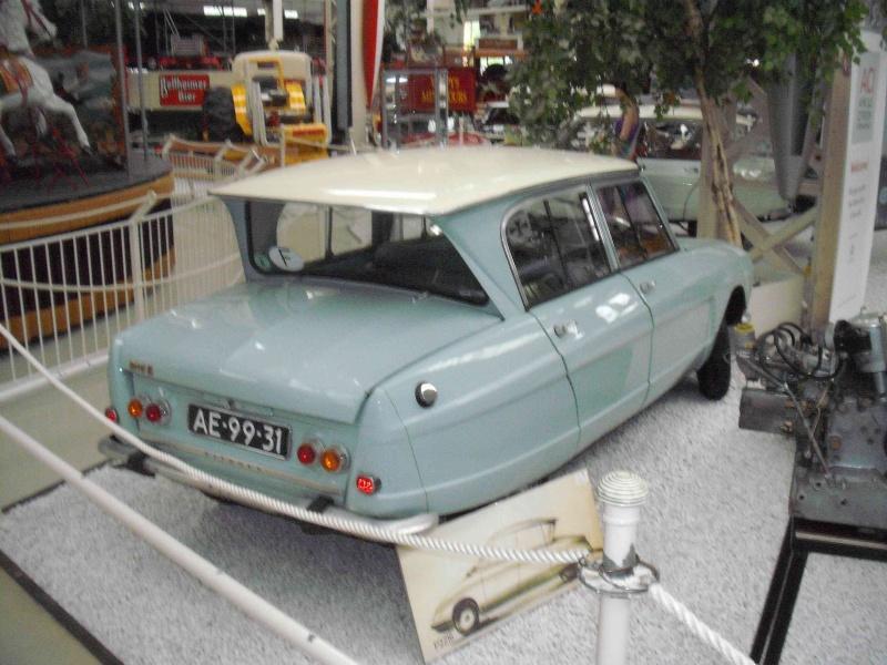 Speyrer Museum Muldenkipper, Dt.Schwimmwagen Treffen u. einige alte Citroens Dscf8155