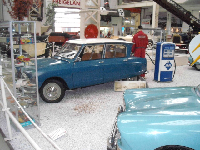 Speyrer Museum Muldenkipper, Dt.Schwimmwagen Treffen u. einige alte Citroens Dscf8160