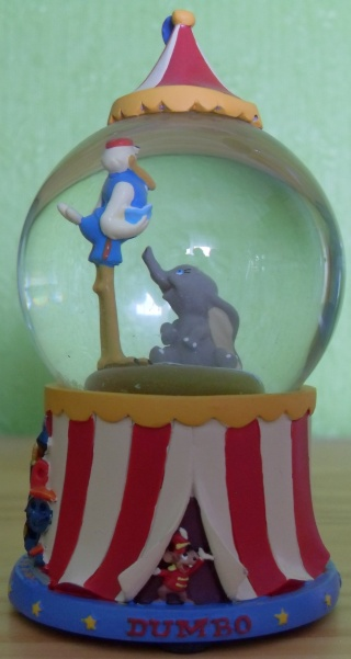 BOULE DE NEIGE Dumbo10