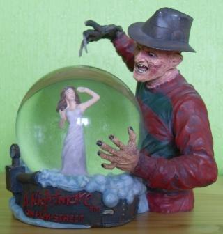 BOULE DE NEIGE Freddy10