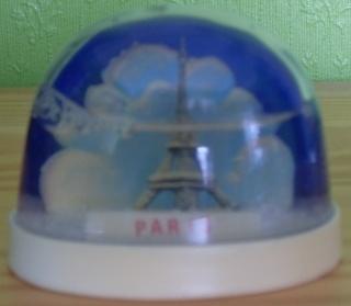 BOULE DE NEIGE Paris_13