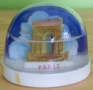 BOULE DE NEIGE Paris_17