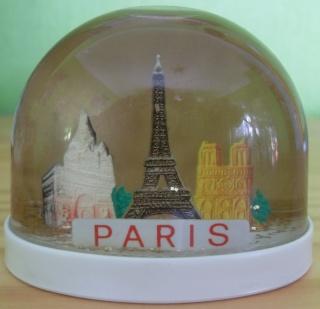 BOULE DE NEIGE Paris_19