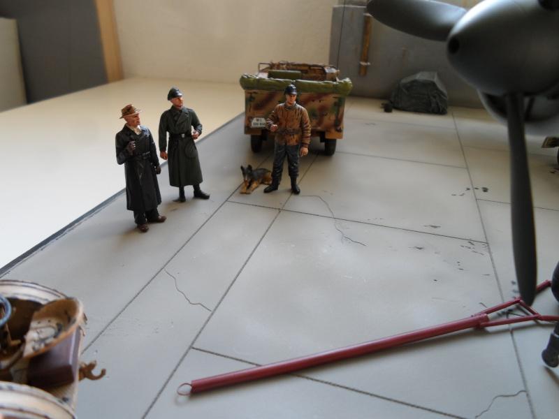 Dornier 335 Pfeil à Oberpfaffenhofen 1945 (diorama) Sam_3276