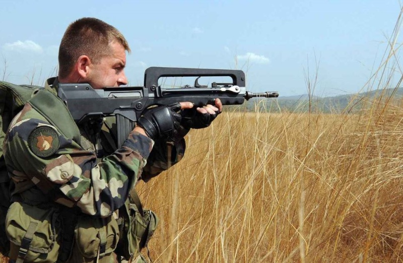 Défense: Un fusil d'assaut étranger pour remplacer le Famas Captur13