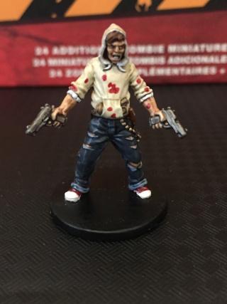 [zombicide] Les Survivants de la Saison 1 et Toxic City Mall Img_1417