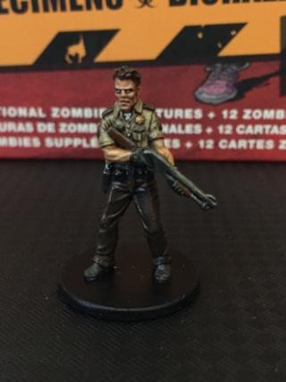 [zombicide] Les Survivants de la Saison 1 et Toxic City Mall Img_1419