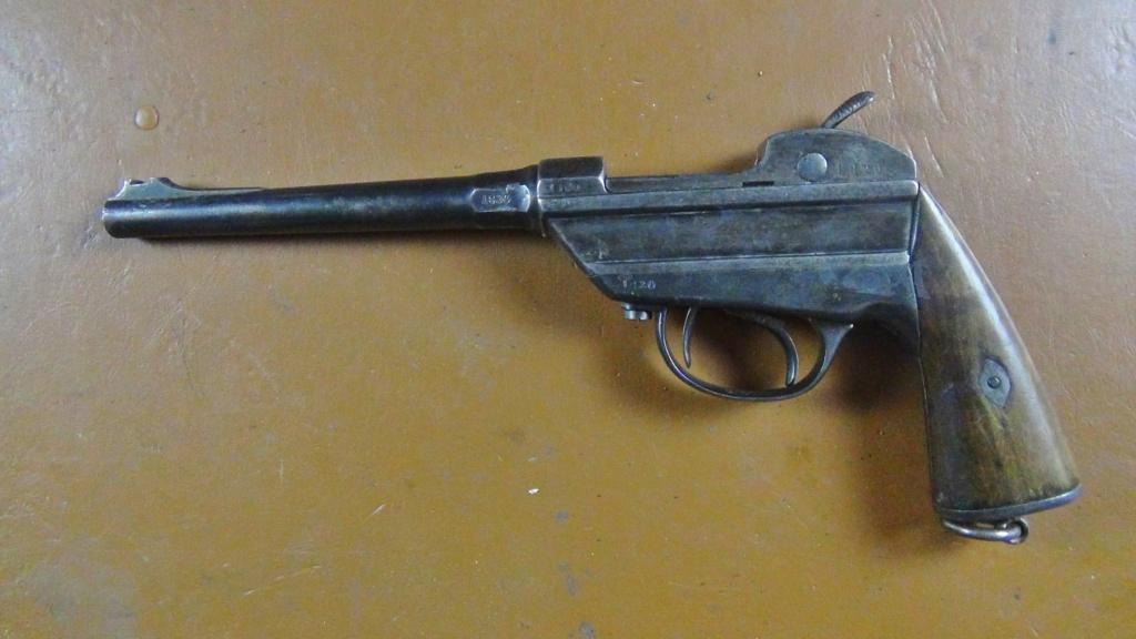 pistolet de la cavalerie bavaroise : Werder Mle 1869 (et son rechargement) - Page 8 Dsc00310