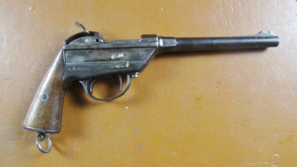 pistolet de la cavalerie bavaroise : Werder Mle 1869 (et son rechargement) - Page 8 Dsc00311