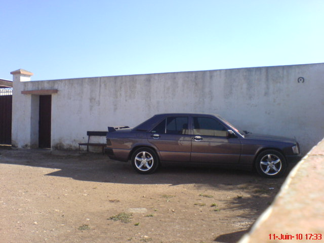 [ yassine_190 ]  Mercedes-benz w201 2.5d  Dsc00910