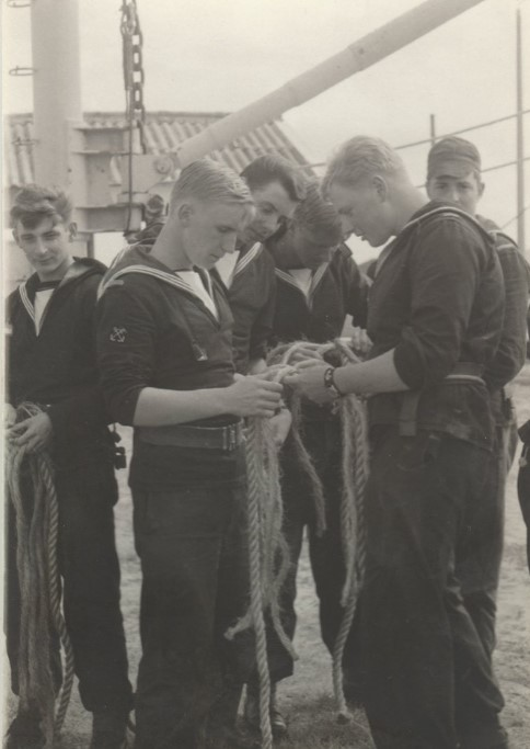 Ecole Navale Nieuwport/Lombartsijde - année 70 - Page 5 E_n_ma10