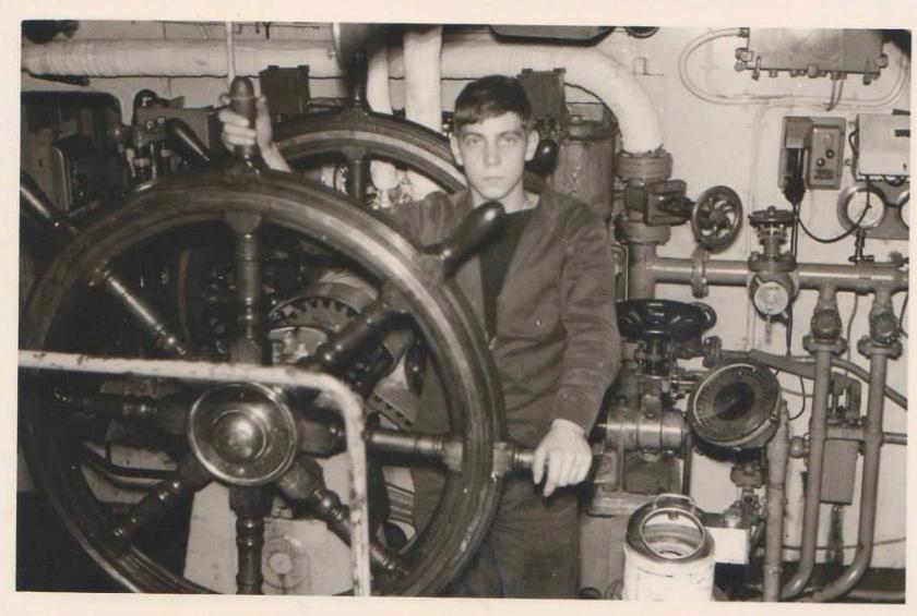 M900 / A954 Adrien De Gerlache (ex HMS Liberty) - Page 10 Screen17