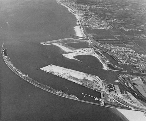 Ouverture du nouveau port de Zeebrugge en juillet 1985 - Page 3 Zebrug10