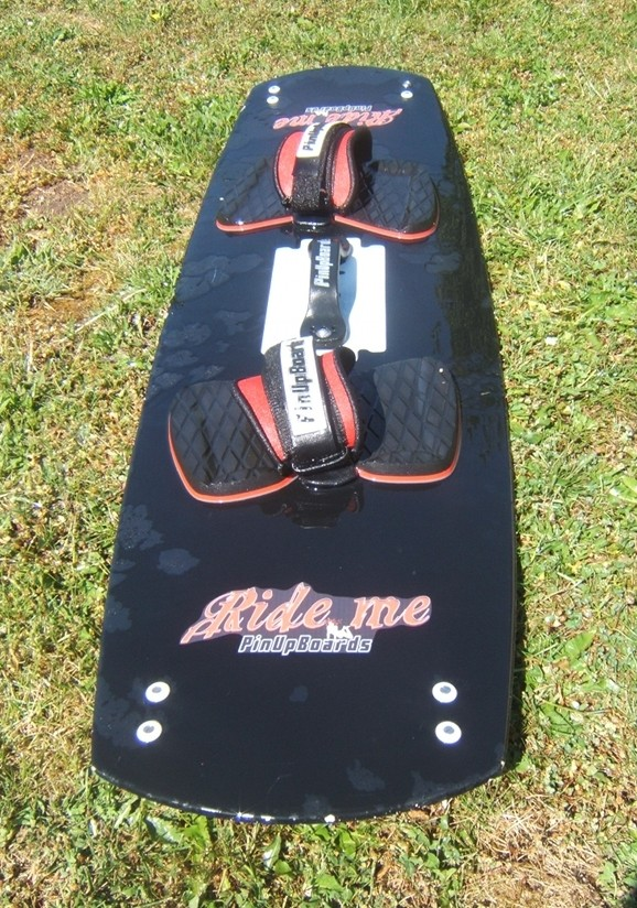 Planche kite surf twin-tip 140 x 41 cm à 95 euros Dscf4114