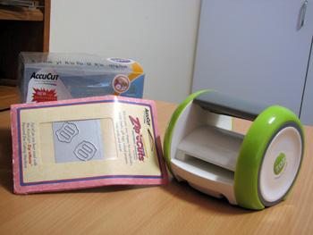 BRAND NEW IN BOX ZAZ portable die cutter Zaz10