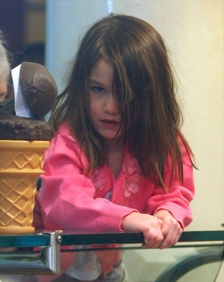 Suri Cruise (What a gorgeous child)!! Spl13110