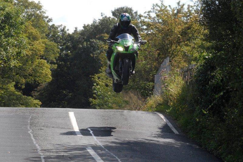Kawasaki ZX10R 2011  - Page 43 Image11