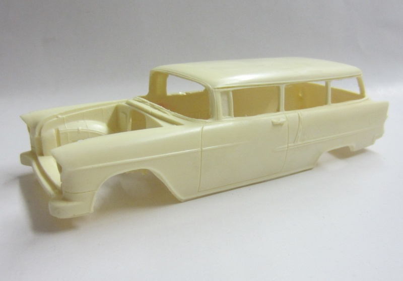 #7 : chevrolet 1957 150 station wagon Mustan10