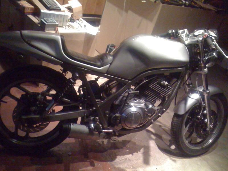 Yamaha SRX 600 : le mono super cinglé ! 11210