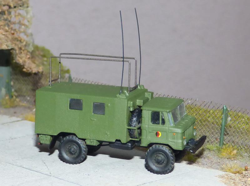 GAZ-66 mit Funkstelle R-142 P1070010
