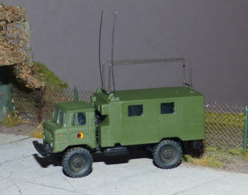 GAZ-66 mit Funkstelle R-142 P1070011