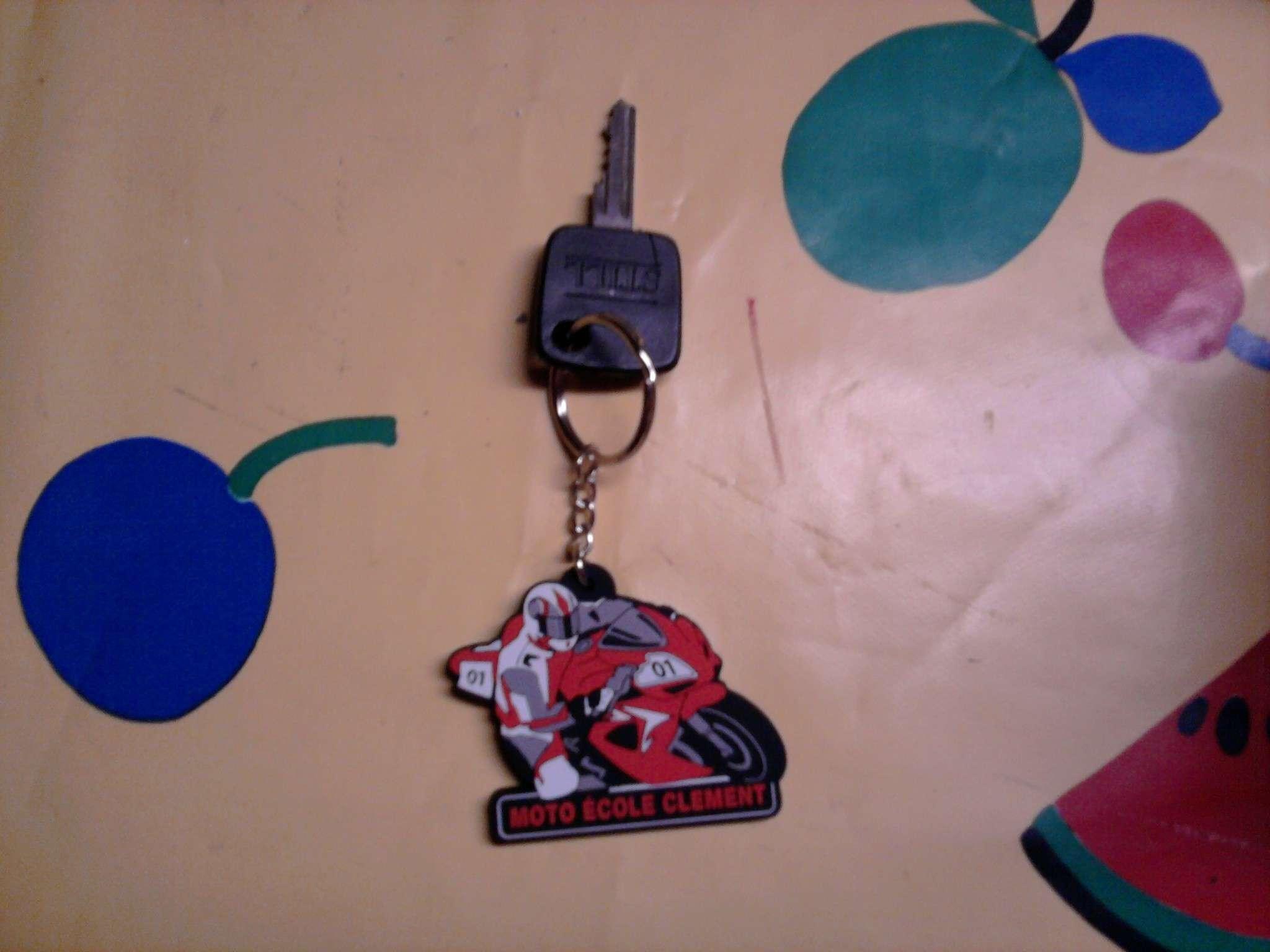 Vos clés de voitures (toutes marques) Photo010